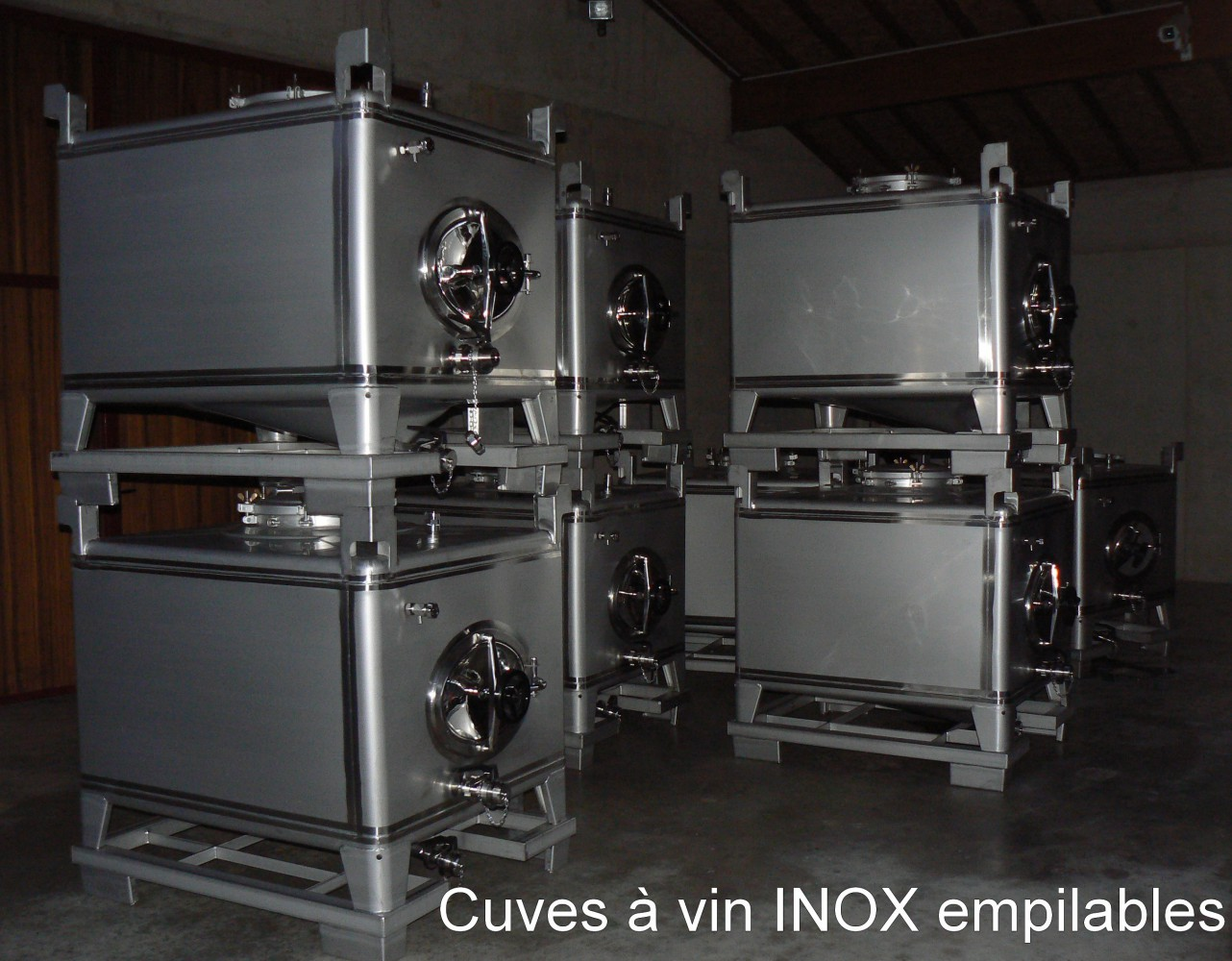 Cuves à vin INOX empilables